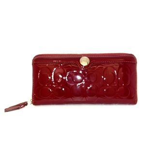 Handbags - Coach Wallet in Signature Leather